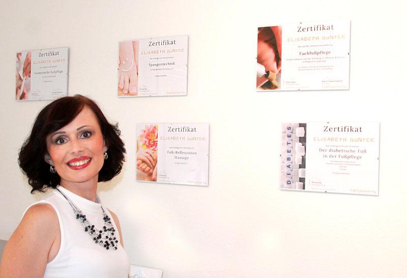 Podologisch geprüfte Fachfußpflegerin und Kosmetikerin